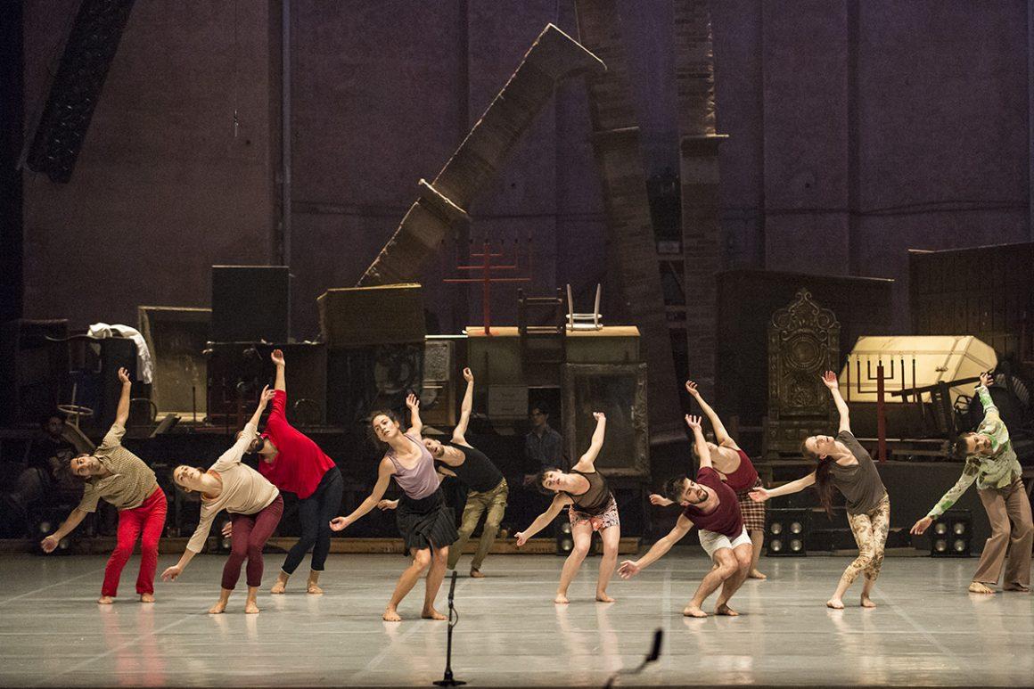 Compagnia Zappalà Danza in LA NONA (dal caos, il corpo)